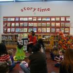 パブリック図書館での幼児対象の読み聞かせイベント
